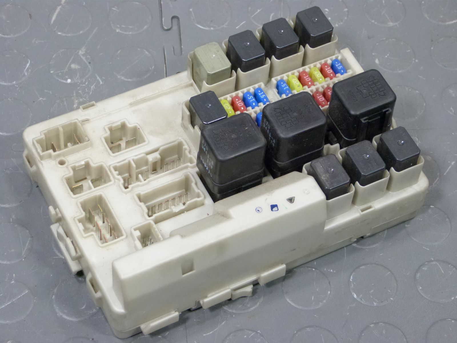 P on Jeep Cherokee Fuse Box Under The Hood Free Download